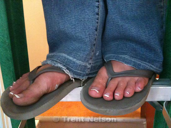 Thursday, August 13 2009.laura nelson working, feet