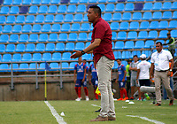SANTA MARTA - COLOMBIA, 05-04-2019: Diego Corredor técnico de Patriotas gesticula durante el partido entre Unión Magdalena y Patriotas Boyacá como parte de la Liga Águila I 2019 jugado en el estadio Sierra Nevada de la ciudad de Santa Marta. / Diego Corredor coach of Patriotas gestures during match for the date 14 between  Union Magdalena and Patriotas Boyaca as a part Aguila League I 2019 played at Sierra Nevada stadium in Santa Marta city. Photo: VizzorImage / Gustavo Pacheco / Cont