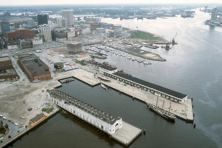 1983 June ..Redevelopment.Downtown West (A-1-6)..LOOKING SOUTHEAST...NEG#.NRHA#..