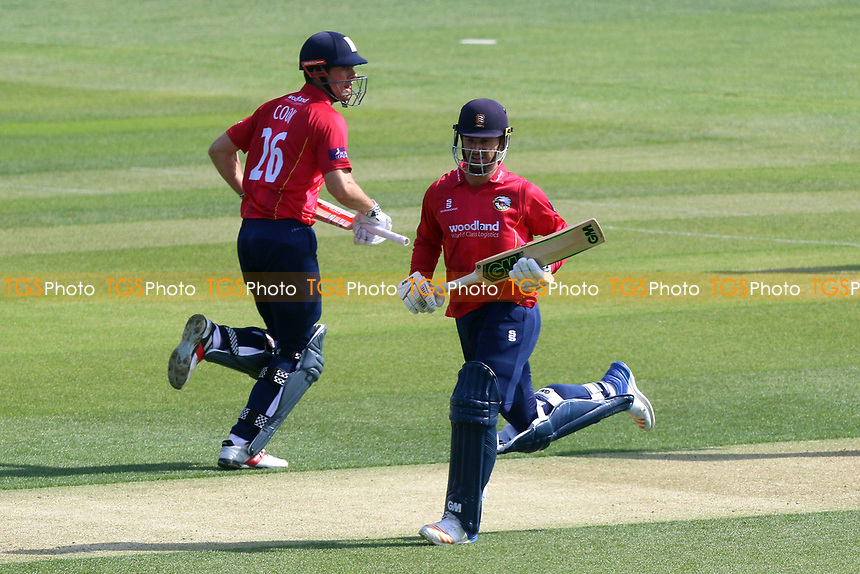 Ryan ten Doeschate and Alastair Cook add to the Essex total during Essex Eagles vs Sussex Sharks, Royal London One-Day Cup Cricket at The Cloudfm County Ground on 10th May 2017