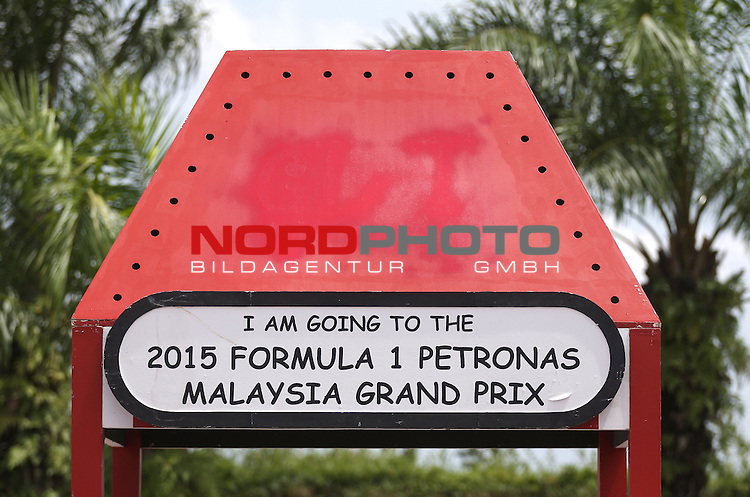 29.03.2011, Sepang-International-Circuit, Malaysia, MAL, Featiure Impressionen, Gro&szlig;er Preis von Malaysia / Kuala Lumpur, Training im Bild Malaysian GP Impressions<br /> for the complete Middle East, Austria &amp; Germany Media usage only!<br />  Foto &copy; nph / Mathis