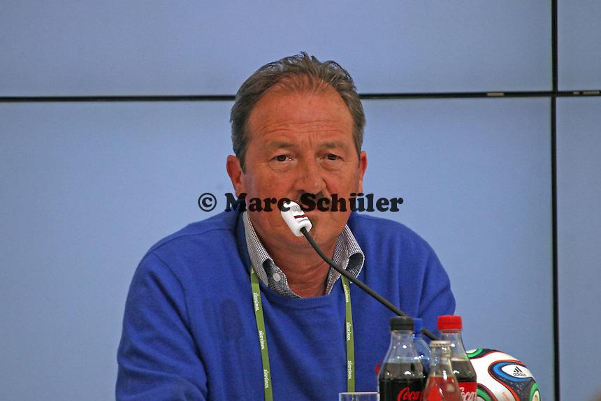 Polizeihauptkommissar Johann Ramoser- Pressekonferenz der Deutschen Nationalmannschaft  zum Unfall beim Mercedes Werbedreh im Rahmen der WM-Vorbereitung in St. Martin