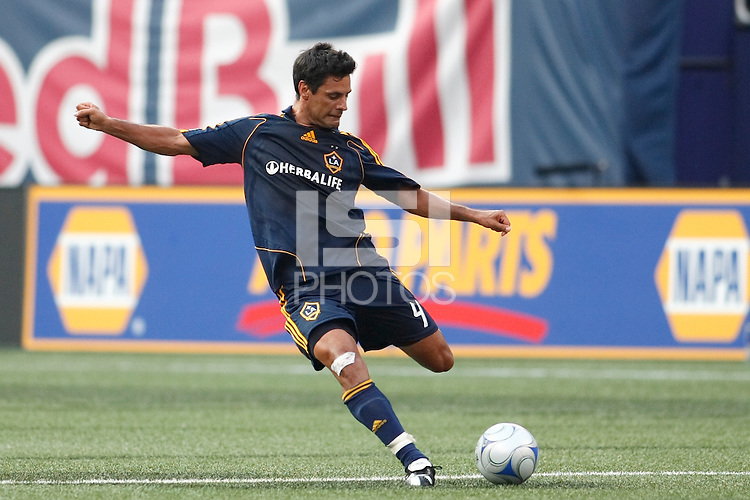 Los Angeles Galaxy defender Ante Jazic (4). The New York Red Bulls and the Los Angeles Galaxy played to a 2-2 tie during a Major League Soccer match at Giants Stadium in East Rutherford, NJ, on July 19, 2008.