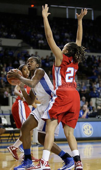 UK center DeNesha Stallworth (11) goes for a basket during the first half of the UK Hoops game v. Delaware State University at Memorial Coliseum in Lexington, Ky., on Saturday, November 10, 2012. Photo by Genevieve Adams | Staff