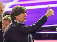 Bundestrainer Joachim Loew (Deutschland Germany), der Thumbs up signalisiert - 30.11.2019: UEFA EURO2020 Auslosung, Romexpo Bukarest, DISCLAIMER: UEFA regulations prohibit any use of photographs as image sequences and/or quasi-video.