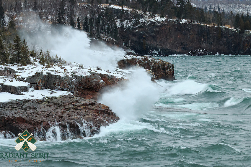 Lake Superior was calling us on Christmas day, so we postponed our special dinner and headed up the shore to see the lake at her finest. We found the Maiden of the Mist at Tettegouche State Park where the waves were rockin'.<br />
