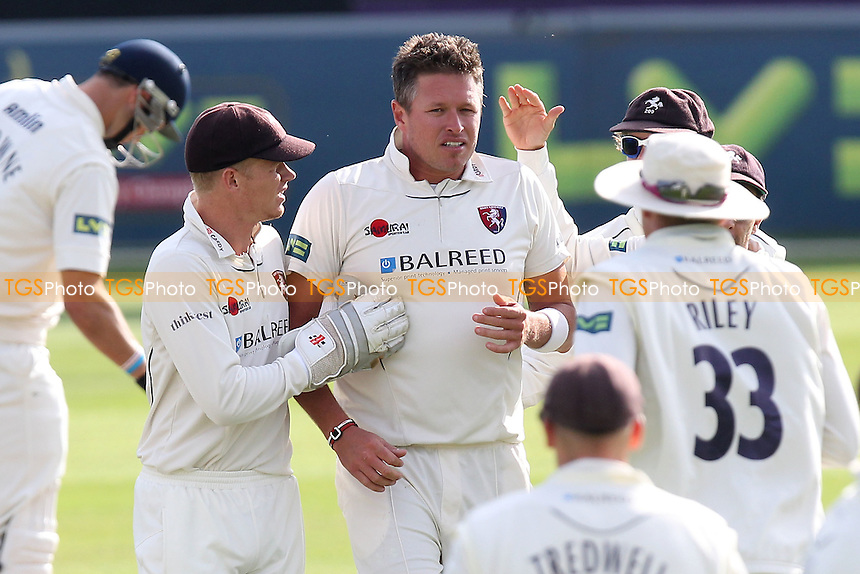 Mitchell Claydon of Kent (C) is congratulated on the wicket of Tom Westley - Essex CCC vs Kent CCC - LV County Championship Division Two Cricket at the Essex County Ground, Chelmsford, Essex - 09/09/14 - MANDATORY CREDIT: Gavin Ellis/TGSPHOTO - Self billing applies where appropriate - contact@tgsphoto.co.uk - NO UNPAID USE