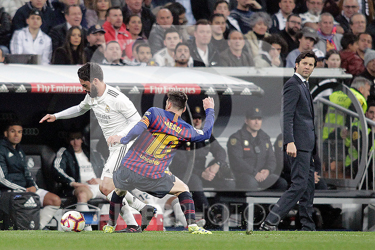 Real Madrid CF's Isco Alarcon, coach Santiago Solari and FC Barcelona's Leo Messi during La Liga match. March 02,2019. (ALTERPHOTOS/Alconada)