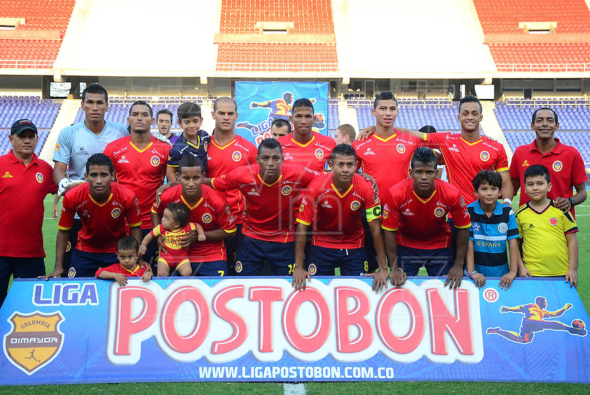 BARRANQUILLA - COLOMBIA -05 -04-2014: Los jugadores de Universidad Autonoma posan para una foto durante partido entre Universidad Autonoma y Alianza Petrolera por la fecha 15 entre de la Liga Postobon I 2014, jugado en el estadio Metropolitano Roberto Melendez de la ciudad de Barranquilla. / The player of de Universidad Autonoma pose for a photo during a match between Universidad Autonoma and Alianza Petrolera for the date 15th of the Liga Postobon I 2014 at the Metropolitano Roberto Melendez Stadium in Barranquilla city. Photo: VizzorImage  / Alfonso Cervantes / Str