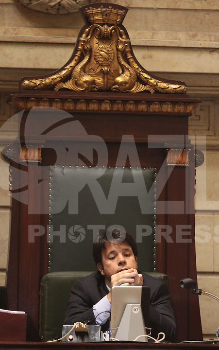 RIO DE JANEIRO, RJ, 13 AGOSTO 2013 - SEÇÃO PLENÁRIA CAMARA DOS VEREADORES  RJ - O vereador Carlos Caiado preside a  mesa na primeira seção ordinária após a invasão dos manifestantes na câmara dos vereadores na  Cinelândia Rio de Janeiro, terça 13. (FOTO: LEVY RIBEIRO / BRAZIL PHOTO PRESS)