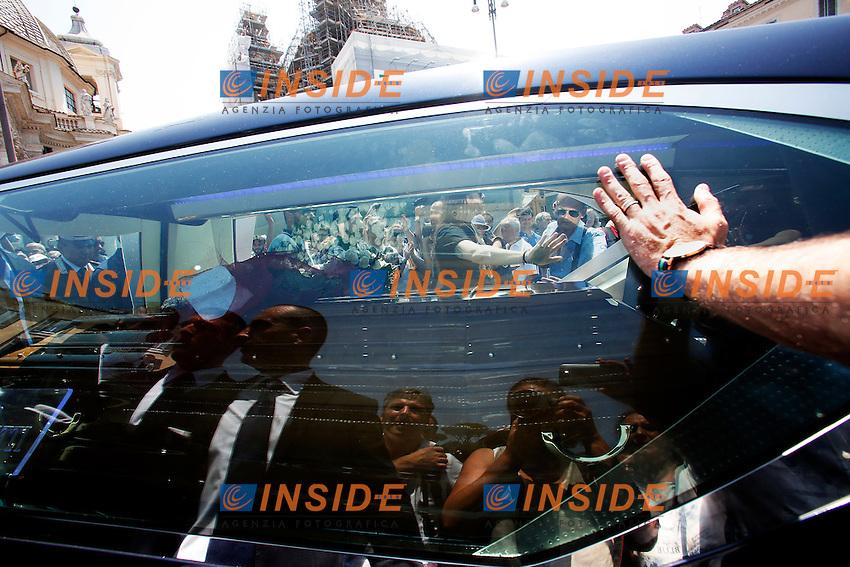 Il carro lascia la chiesa<br /> Roma 30-06-2016 Chiesa degli Artisti, Funerali di Carlo Pedersoli, in arte Bud Spencer.<br /> Rome 30th June 2016. Church of Artists, Funeral of Carlo Pedersoli, alias Bud Spencer<br /> Photo Samantha Zucchi Insidefoto