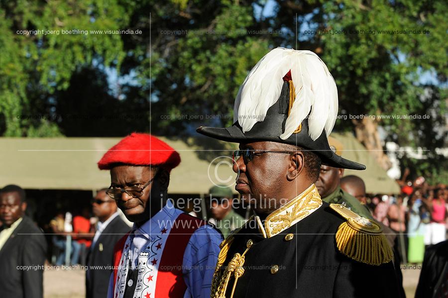 Africa ZAMBIA Barotseland , Zambezi floodplain , Kuomboka ceremony in Limulunga, the Lozi king Lubosi Imwiko II. also called Litunga, change his residence after raining time with the royal bark Nalikwanda  to his palace in Limulunga, arrival of Litunga (right) and vice president of Zambia Mr. George Kunda (left)