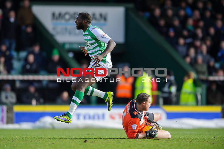 Leeds Goalkeeper Paddy Kenny (IRL) makes a save from Yeovil Forward Ishmael Miller (ENG) -  - 08/02/2014 - SPORT - FOOTBALL - Huish Park, Yeovil - Yeovil Town v Leeds United - Sky Bet Championship.<br /> Foto nph / Meredith<br /> <br /> ***** OUT OF UK *****