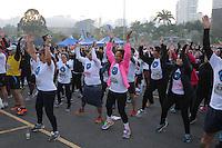 SÃO PAULO, SP, 12.06.2015 - CORRIDA-SP - Corrida e Caminhada contra câncer de Mama em frente ao Parque do Ibirapuera neste domingo, 12. (Foto: Yuri Alexandre/Brazil Photo Press)