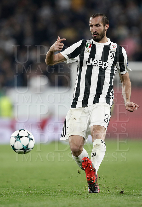 Football Soccer: UEFA Champions League Juventus vs Olympiacos Allianz Stadium. Turin, Italy, September 27, 2017. <br /> Juventus' Giorgio Chiellini in action during the Uefa Champions League football soccer match between Juventus and Olympiacos at Allianz Stadium in Turin, September 27, 2017.<br /> UPDATE IMAGES PRESS/Isabella Bonotto