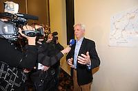 SCHAATSEN: LEEUWARDEN: Persconferentie Koninklijke Vereniging De Friesche Elf Steden, 06-02-2012, voorzitter Wiebe Wieling, media, ©foto: Martin de Jong