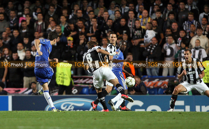 Oscar scores the 1st goal for Chelsea - Chelsea vs Juventus, Champions League at Stamford Bridge, Chelsea - 19/09/12 - MANDATORY CREDIT: Rob Newell/TGSPHOTO - Self billing applies where appropriate - 0845 094 6026 - contact@tgsphoto.co.uk - NO UNPAID USE.