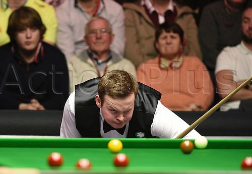 17.01.2015. Alexandra Palace,  London, England.  Masters Snooker Semi Final. Murphy frustrated by an Allen snooker