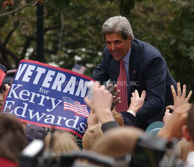 WWW.ACEPIXS.COM . . . . . ....PENNSYLVANIA, OCTOBER 25, 2004....Senator John Kerry attends his rally at Love Park in Philadelphia, PA.....Please byline: DAISY STONE - ACE PICTURES....Ace Pictures, Inc:  ..Alecsey Boldeskul (646) 267-6913 ..Philip Vaughan (646) 769-0430..e-mail: info@acepixs.com..web: http://www.acepixs.com