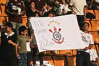 ATENÇÃO EDITOR: FOTO EMBARGADA PARA VEÍCULOS INTERNACIONAIS SÃO PAULO,SP,08 SETEMBRO 2012 - CAMPEONATO BRASILEIRO - CORINTHIANS x GREMIO -Torcedores  do Corinthians durante partida Corinthians x Gremio válido pela 23º rodada do Campeonato Brasileiro no Estádio Paulo Machado de Carvalho (Pacaembu), na região oeste da capital paulista na noite deste sabado (08).(FOTO: ALE VIANNA -BRAZIL PHOTO PRESS)