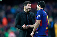 FC Barcelona's Luis Suarez (r) and Atletico de Madrid's coach Diego Pablo Cholo Simeone have words after La Liga match. March 4,2018. (ALTERPHOTOS/Acero) /NortePhoto.com NORTEPHOTOMEXICO