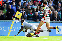 Semesa Rokoduguni of Bath Rugby scores a try in the first half. Aviva Premiership match, between Leicester Tigers and Bath Rugby on September 25, 2016 at Welford Road in Leicester, England. Photo by: Patrick Khachfe / Onside Images