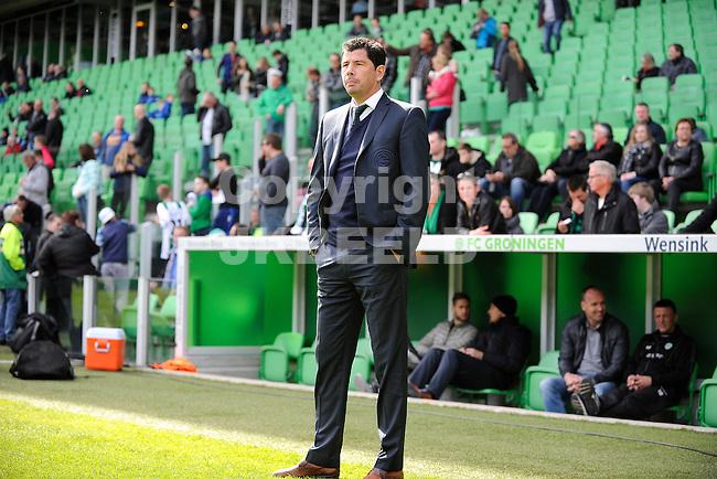 GRONINGEN - Voetbal, FC Groningen - SC Cambuur, Eredivisie, Euroborg, seizoen 2014-2015, 12-04-2015,  FC Groningen trainer Erwin van der Looi