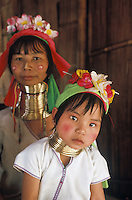 Woman and child from the Padaung tribe in Mae Hon Song, Northern Thailand.<br />