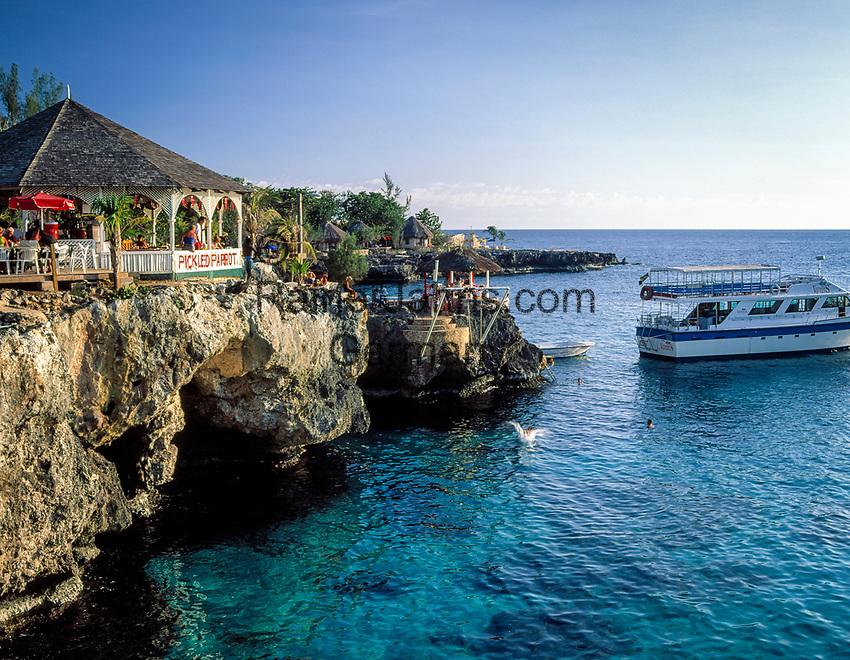 Jamaika, Westmoreland, Kueste bei Negril, Rick's Cafe   Jamaica, Westmoreland, coastline at Negril, Rick's Cafe