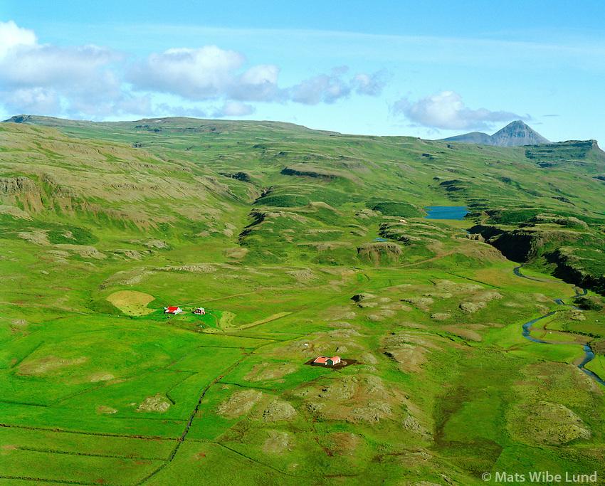 Jafnaskarð hjá Hreðavatn, séð til norðurs, Borgarbyggð áður Stafholtstungnahreppur / Jafnaskard loft of Hredavatn, viewing north, Borgarbyggd former Stafholtstungnahreppur.