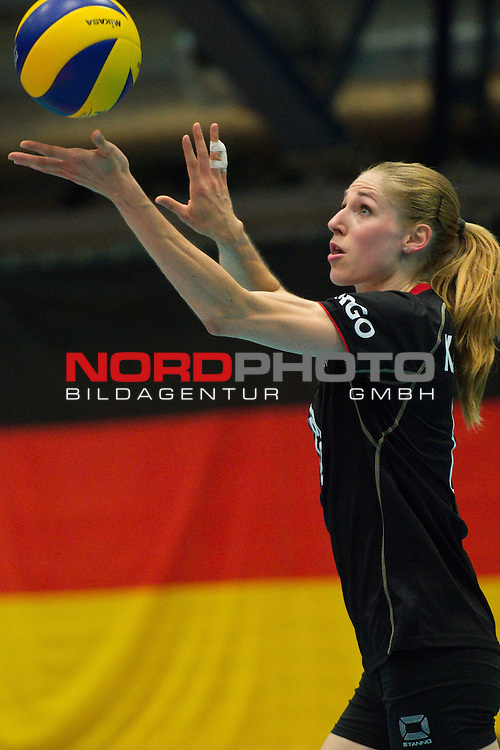 11.07.2014, Anhalt Arena, Dessau<br /> Volleyball, European League 2014, Deutschland vs. Griechenland<br /> <br /> Aufschlag / Service Berit Kauffeldt (#8 GER)<br /> <br />   Foto &copy; nordphoto / Kurth