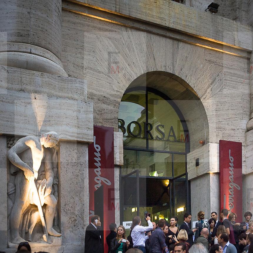 Il Quinto giorno della Settimana della Moda a Milano: la sfilata di Ferragamo alla Borsa di Milano<br /> <br /> The fifth day of Milan Fashion Week: the Ferragamo fashion show at the Milan Stock Exchange