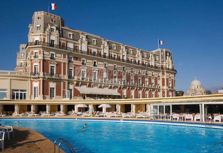 Europe/France/Aquitaine/64/Pyrénées-Atlantiques/Biarritz :l' Hotel du Palais et sa piscine