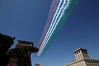 The Italian Air Force aerobatic unit Frecce Tricolori (Tricolor Arrows) perform on April 25, 2020 over Piazza Venezia in Rome, on the 75th anniversary of Liberation Day, which marks the fall of Nazi occupation in 1945, during the country's lockdown aimed at curbing the spread of the COVID-19 infection, caused by the novel coronavirus.<br /> UPDATE IMAGES PRESS/Isabella Bonotto
