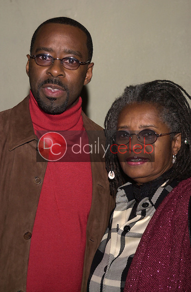 Courtney B. Vance and mom Leslie