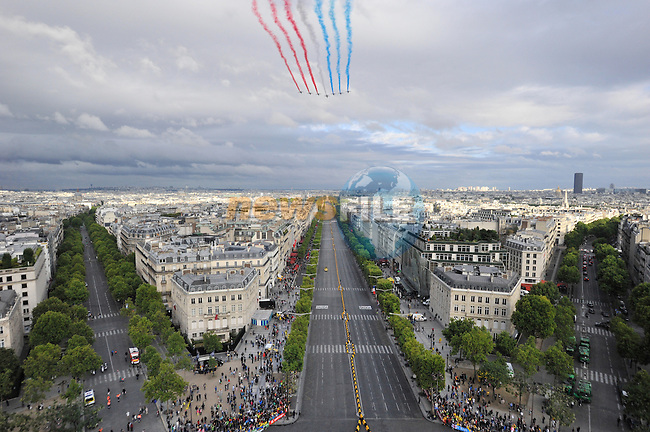 La Patrouille de France fly over the Champs Elysees in Paris during Stage 21 of the 2015 Tour de France running 109.5km from Sevres to Paris - Champs Elysees, France. 26th July 2015.<br /> Photo: ASO/X.Bourgois/Newsfile