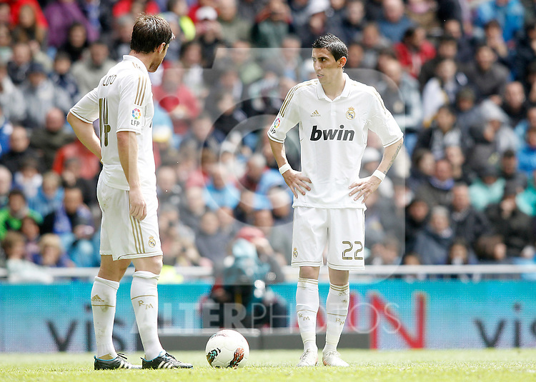 Real Madrid's Xabi Alonso and Angel Di Maria during La Liga match. April 29, 2012. (ALTERPHOTOS/Alvaro Hernandez)