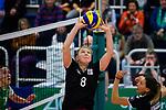 03.12.2017, Halle Berg Fidel, Muenster<br />Volleyball, Bundesliga Frauen, Normalrunde, USC MŸnster / Muenster vs. Rote Raben Vilsbiburg<br /><br />Zuspiel Ilka van de Vyver (#8 Vilsbiburg), Jennifer Pettke (#15 Vilsbiburg)<br /><br />  Foto &copy; nordphoto / Kurth