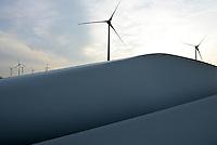 GERMANY Brunsbuettel, Repowering of small Enercon E-40 wind turbines / DEUTSCHLAND, repowering von kleinen Enercon E-40 Windkraftanlagen