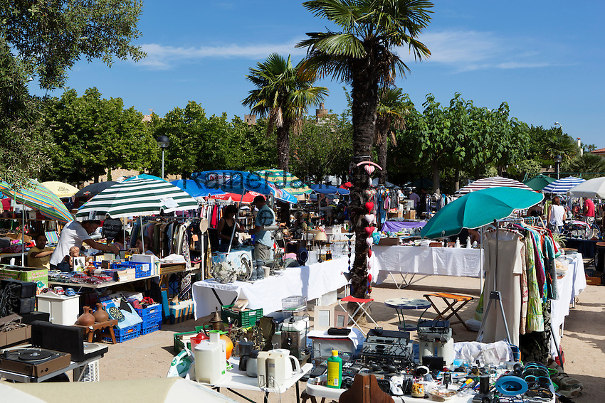Spain, Catalonia, Costa Brava, Pals: Saturday flea market | Spanien, Katalonien, Costa Brava, Pals: Samstag ist Flohmarkt