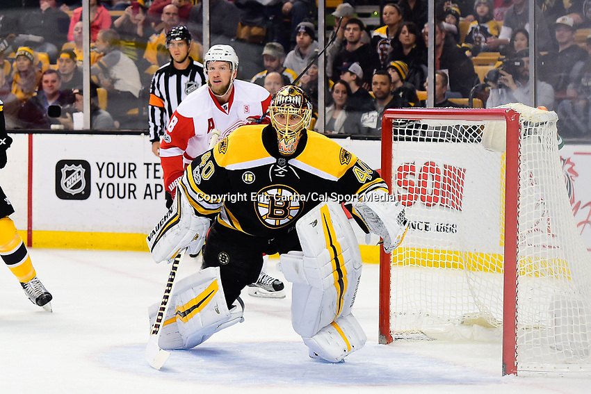 Tuesday, January 24, 2017: Boston Bruins goalie Tuukka Rask (40) tends net during the National Hockey League game between the Detroit Red Wings and the Boston Bruins held at TD Garden, in Boston, Mass. Boston defeats Detroit 4-3 in overtime. Eric Canha/CSM