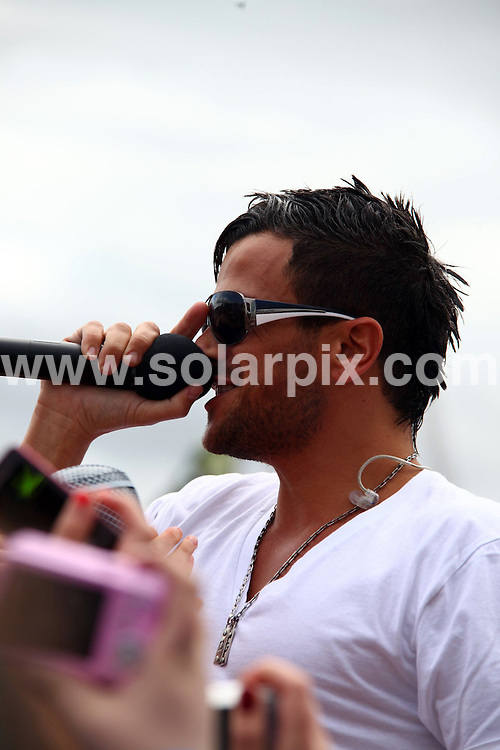 **ALL ROUND PICTURES FROM SOLARPIX.COM**.**WORLDWIDE SYNDICATION RIGHTS**.T4 on the Beach at Weston-super-Mare, UK. 19 July  2009..This pic: Peter Andre..JOB REF: 9538 NYA     DATE: 19_07_2009.**MUST CREDIT SOLARPIX.COM OR DOUBLE FEE WILL BE CHARGED**.**ONLINE USAGE FEE GBP 50.00 PER PICTURE - NOTIFICATION OF USAGE TO PHOTO @ SOLARPIX.COM**.**CALL SOLARPIX : +34 952 811 768 or LOW RATE FROM UK 0844 617 7637**