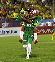NEIVA -HUILA -COLOMBIA, 22-NOVIEMBRE-2014.Camilo Vargas de Independiente Santa Fe celebra su gol contra  el Atletico Huila  durante partido por los cuadrangulares semifinales 3 fecha  de la Liga Postobón 2014-II , jugado en el estadio Guillermo Plazas Alcid de la ciudad de Neiva./ Camilo Vargas   of Independiente Santa Fe  celebrates his goal agaisnt of Atletico Huila during the semifinal  match runs 3th date Postobón II League 2014 played at Guillermo Plazas Alcid stadium in Neiva city.Photo / VizzorImage / Felipe Caicedo  / Staff