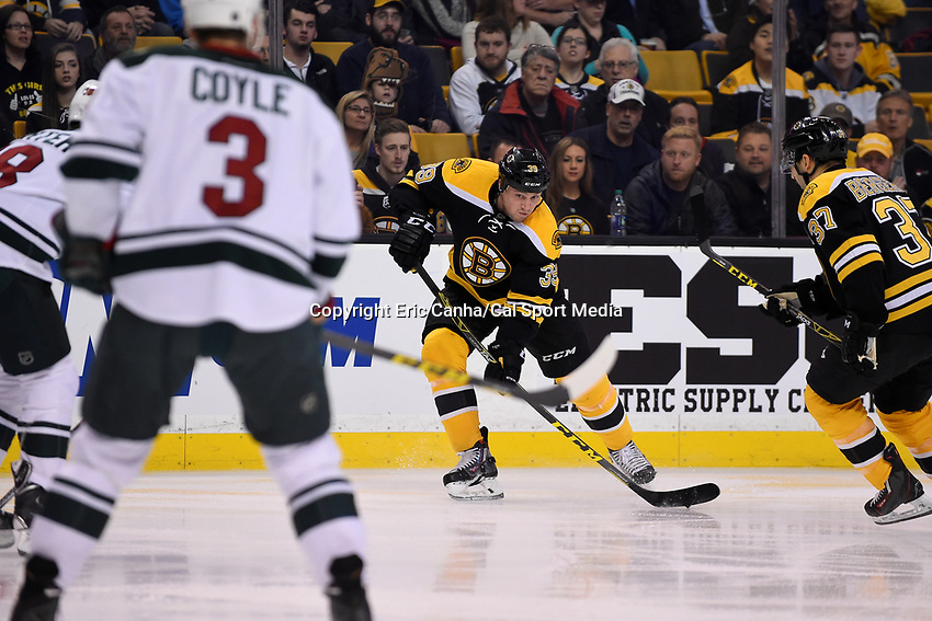 Thursday, November 19, 2015: Boston Bruins left wing Matt Beleskey (39) lines up a pass during the National Hockey League game between the Minnesota Wild and the Boston Bruins held at TD Garden, in Boston, Massachusetts. The Bruins defeat the Wild 4-2. Eric Canha/CSM