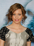 """HOLLYWOOD, CA. - September 24: Producer Elizabeth Banks  arrives at the Los Angeles premiere of """"Surrogates"""" at the El Capitan Theatre on September 24, 2009 in Hollywood, California."""