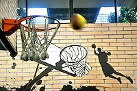 SAO PAULO, SP, 12 DE JULHO 2012 – Brazil Sports Show na Bienal do Ibirapuera. O evento, que ja esta em sua segunda edicao, conta com mais de onze feiras tematicas em mais de vinte mil metros quadrados de espaco. E a maior feira da categoria no pais e atrai gente de todo o Brasil para prestigiar os workshops, e aproveitar. Somente hoje, a entrada e gratuita, ate o dia 15, paga-se 20,00 para o acesso. (FOTO: THAIS RIBEIRO / BRAZIL PHOTO PRESS).