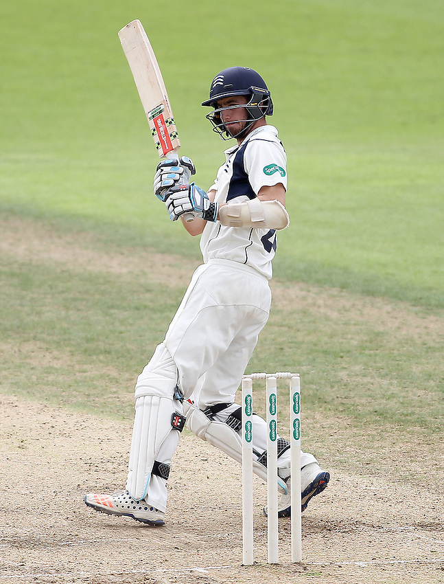 Middlesex's Stephen Eskinazi<br /> <br /> Photographer Mick Walker/CameraSport<br /> <br /> County Cricket - Specsavers County Championship Division One - Day 2 - Nottinghamshire v Middlesex - Wednesday 7 September 2016 - Trent Bridge - Nottingham<br /> <br /> World Copyright &copy; 2016 CameraSport. All rights reserved. 43 Linden Ave. Countesthorpe. Leicester. England. LE8 5PG - Tel: +44 (0) 116 277 4147 - admin@camerasport.com - www.camerasport.com
