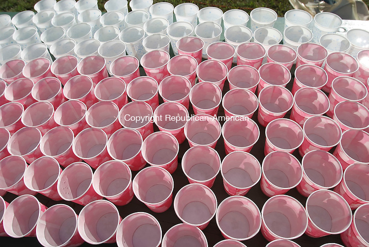 SOUTHBURY,  CT 18 September 2005 -091805BZ01- Water cups await thirsty participants in a 10K fall classic road race in Southbury Sunday morning.<br /> Jamison C. Bazinet / Republican-American