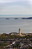 Pictured: The Guildhall in Swansea with Mumbles in the background. Wednesday 22 May 2019<br /> Re: General view of Swansea, Wales, UK