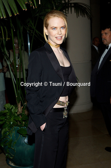Nicole Kidman arriving at the 5th Hollywood Film Festival Gala Ceremony Awards at the Beverly Hilton in Los Angeles.  August 6, 2001 © Tsuni          -            KidmanNicole05.jpg